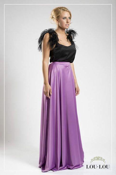 Falda plato Dijon en satén violeta y musculosa Marie