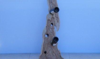 Vino rack in legno naturale. Unisce la praticità d'utilizzo all'estetica di un buon pezzo d'arredamento. Disponibile anche in finitura l'ucida.