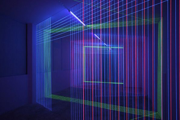 Jeongmoon Choi makes elaborate laser shows from UV lights and thread