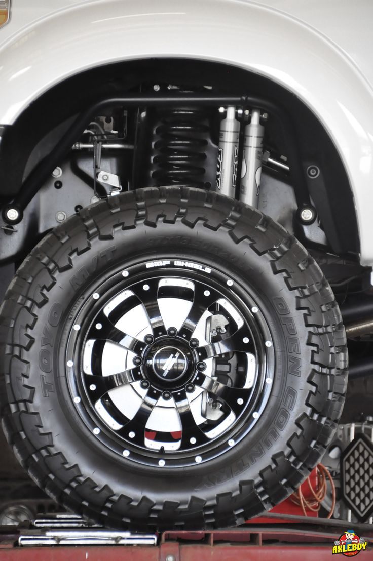 """37"""" Toyo Open Country tires on 20"""" BMF wheels under a F350"""