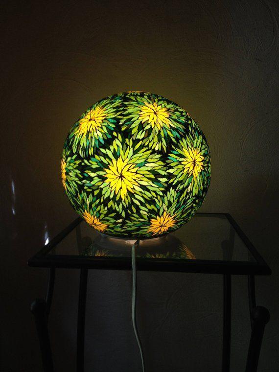 Sur Commande Lampe Boule En Mosaique Vitrail Stained Glass Mosaic Tile Mosaic Glass Stained Glass Mosaic