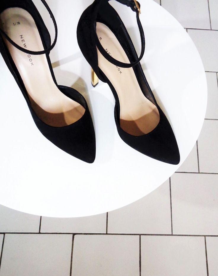 5 favoris #3 Spécial mode - Escarpins noirs talons dorés New Look - Hall mode
