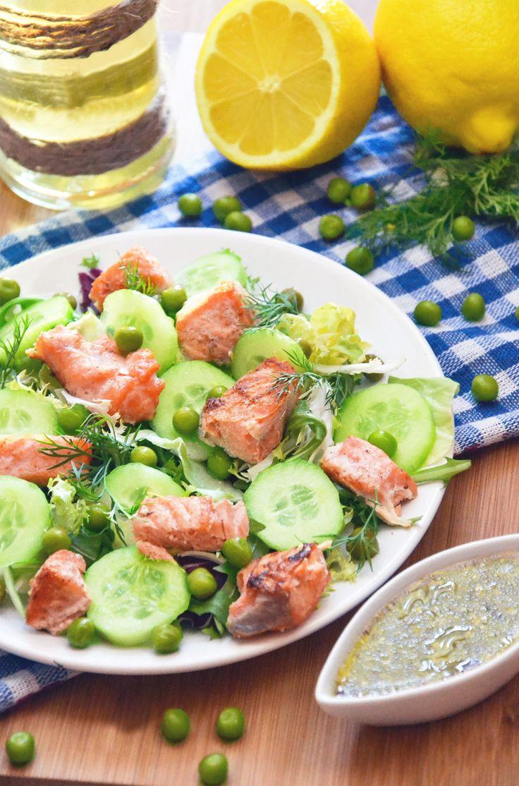 http://sokzycia.pl/salatka-z-lososiem/ #łosoś #ryba #saon #fish #salad #salatka #obiad #lunch #dinner #diet #snack #healthylife na #diet #sportfood #pornfood #sokzycia #aftergym #cook