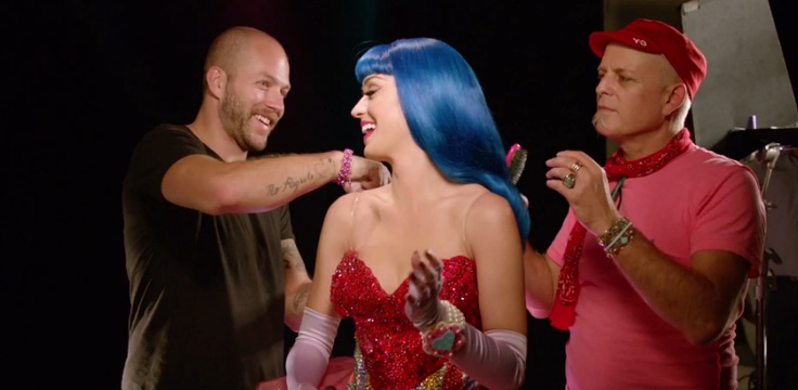Katy Perry with her stylists! #KP3DAnderson Cooper, Famous, 10 Must Following, Katy Perry'S, Must Following Celebrities, Celebrities Pinners, Social Media, Pinterest Profile, Personalized Living
