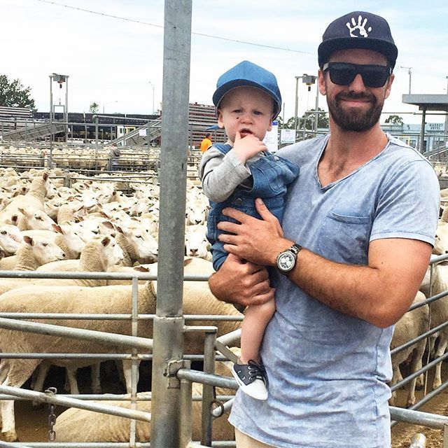 An afternoon at the sheepy sales in Ballarat 🐑. @dfoloughlan. Ewe beauty! #farmlife farming