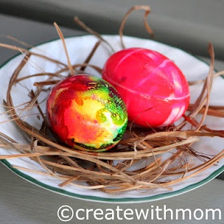 Alternative to easter egg dying dye with food colouring paper towel water and vinegar and - Alternative uses for eggs ...