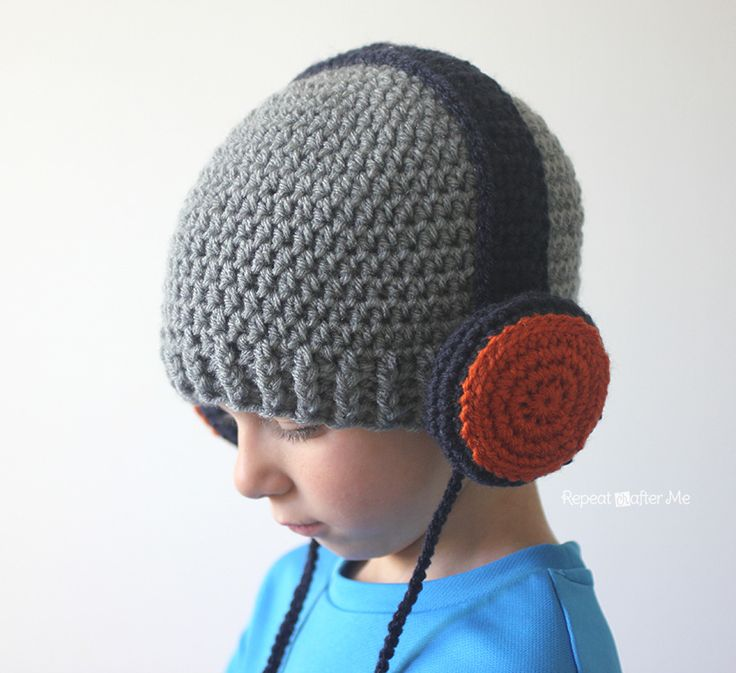 Repeat Crafter Me: Crochet Headphones Hat - the headphones would also work as cute earmuffs on a winter hat!! Baby through adult sizes!