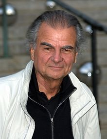 ...my idol.. Mr. Patrick Demarchelier...we Frogs have to stick together