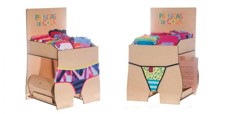 Diseño de exhibidor para la marca de ropa interior Prendas de Cola, por http://soytandem.com.ar