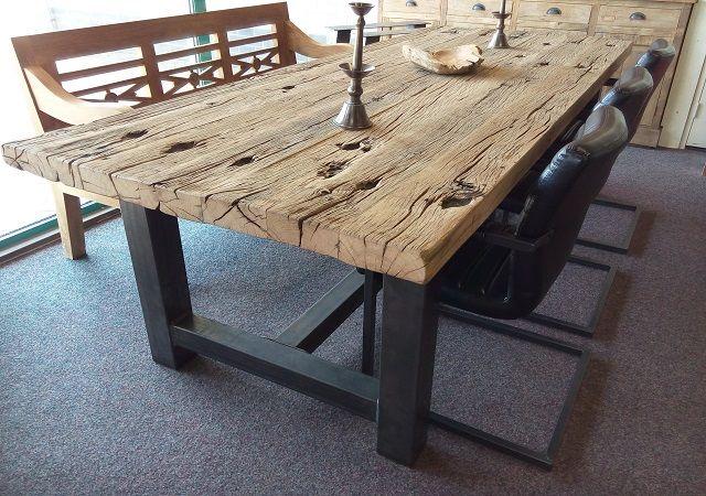 Robuuste-eiken-tafel.jpg (640×450)