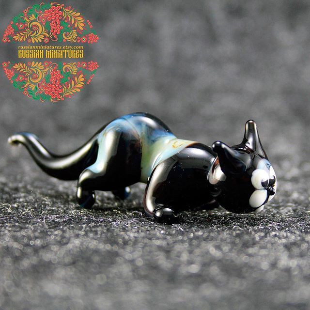 Color Glass Cat Figurine.  Check out here: https://goo.gl/nYyuBd Cat collections: https://goo.gl/ahfgCb -------------- Follow us @russianminiatures if you love glass figurines! Made in  Russia St. Petersburg.Worldwide shipping. Update pictures everyday ! -------------- Follow us on: - https://goo.gl/NKk858 -------------- #russianminiatures #handmade