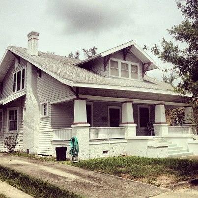 Fab Hyde Park 1920's Bungalow Home!
