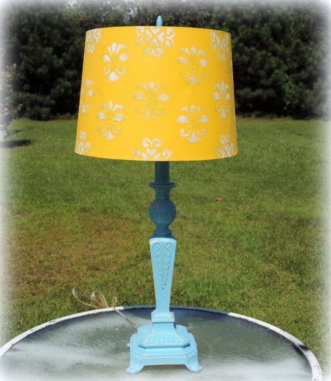 This gorgeous vintage cast iron pineapple lamp has been painted turquoise and…