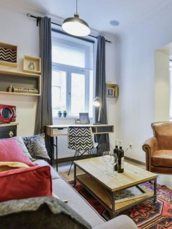 Urban Chic Interior Decor Worked Perfectly For This Apartment In