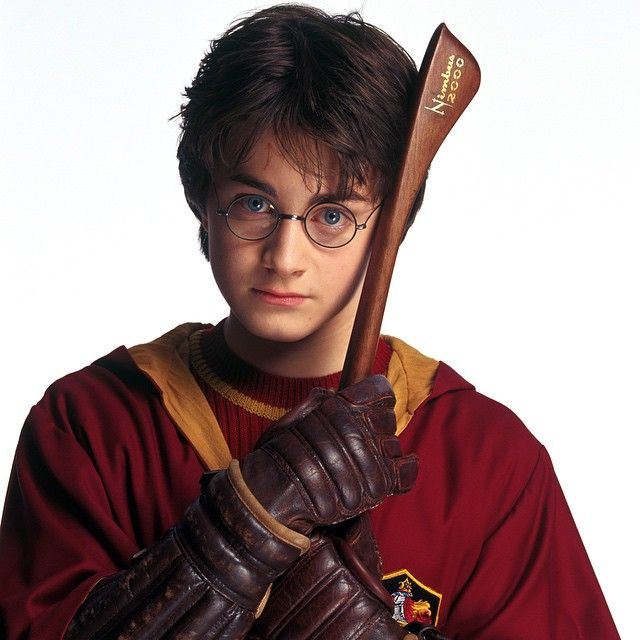 Daniel Radcliffe was not only allergic to the contacts that were to turn his blue eyes green, but he was also allergic to his first pair of glasses. He developed a rash in perfect circles where they sat on his face. As it turned out, he also had a nickel allergy. #HarryPotter #DanielRadcliffe #PageToScreenBook