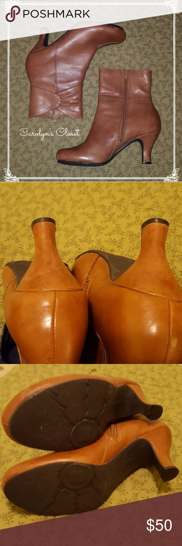 Hush Puppies LEATHER Booties sz 8M Super comfortable and super cute!!! A few minor scruffs from normal wear, lots of life left in them!!! Hush Puppies Shoes Ankle Boots & Booties