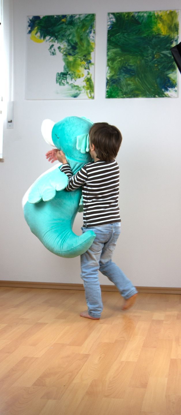 E-Book zum Nähen von Sitzsack in Seepferdchen Form zum Liegen und Kuscheln / sea horse beanbag chair sewing tutorial made by MonstaBella via DaWanda.com