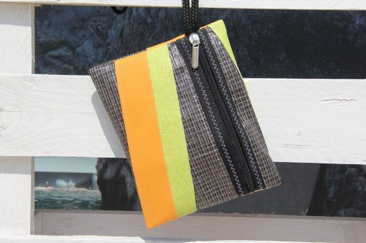 Pochette piatta in vela riciclata carbonio    #pochette #clutch #sail #vela #handmade #stella #star #unique #artigianato #upcycling #riciclo #recycled #sailbags