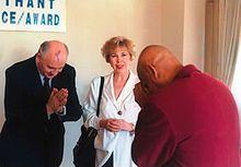 Mikhail Gorbachev - Gorbachev with Indian spiritual master Sri Chinmoy Wikipedia, the free encyclopedia