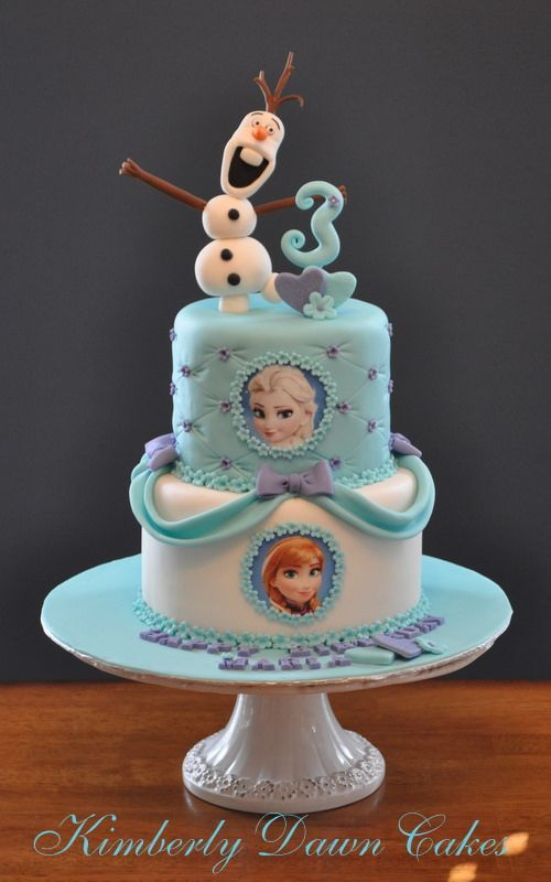 Disney Frozen Cake-I love the simplicity of this and yet it still has the theme going.  I also appreciate that Olaf looks like Olaf.  ^_^