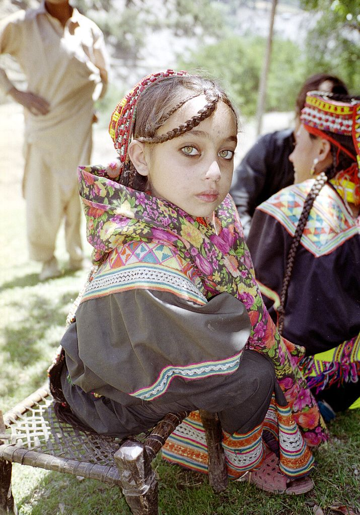 A little girl from Kalash, North Pakistan. Her eyes! OMG. TDF. *_*
