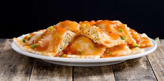 La Salteña | Recetas | Raviolones de pechuga y vegetales con salsa ratatouille