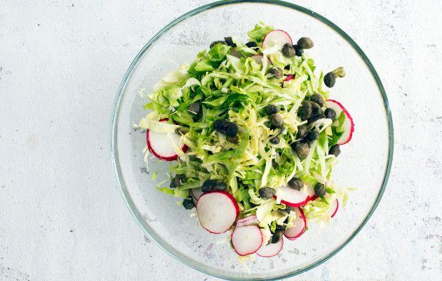 Raikas kaalisalaatti / Fresh coleslaw / Kotiliesi.fi / Kuva/Photo: Riikka Hurri/Otavamedia