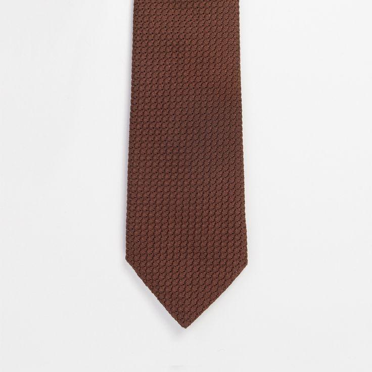 #cravate #marron #brown #grenadine #madeinfrance #madeinitaly #luxe #menswear #mensfashion #atelierparticulier