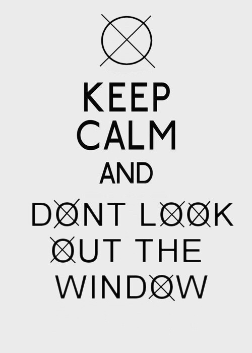 Keep calm or Slenderman is gonna getcha <3 If this was a shirt I would so buy it!