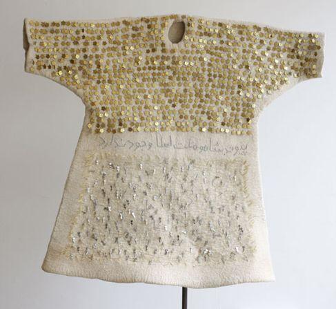 Felt Memories VI by Bita Ghezelayagh 1001 brass crowns and aluminum keys and metal mesh, on white felt - 2008/09 Courtesy of Rose Issa Proje...