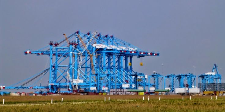 APM Terminal - Ultra High Tech Container Terminal - Port of Rotterdam
