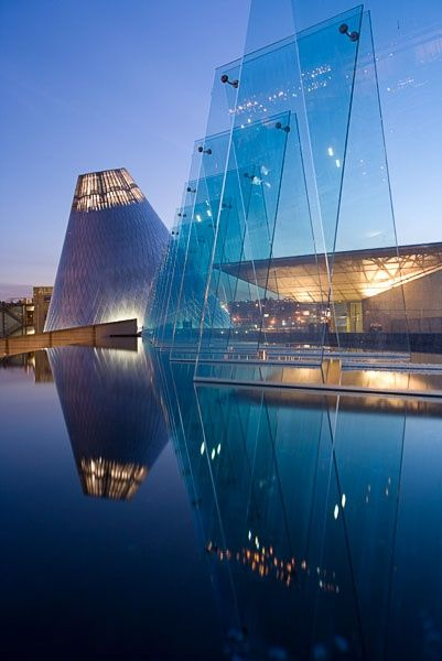 **Museum of Glass, Tacoma, WA by Arthur Erickson Architect | #architecture ☮k☮ The Museum of Glass provides a dynamic learning environment to appreciate the medium of glass through creative experiences, collections and exhibitions. #architecture ☮k☮