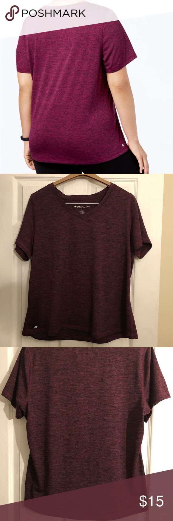 IDEOLOGY DRY FIT SHIRT This is a great work out shirt or even just for out door warm weather! Fast dry fabric help keeps sweat under control, easy fit, unlined, hits at hip & v-neck 💜 worn only once for a couple of hours, great condition like new! Ideology Tops Tees - Short Sleeve