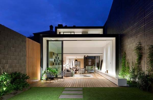 Contemporary extension of Victorian terrace home in Australia