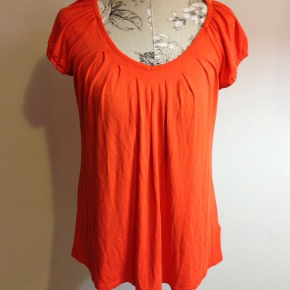Michael Kors Orange Short Sleeve Top M Has gathers around top front and back. Excellent condition. MICHAEL Michael Kors Tops