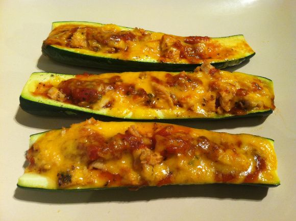 Chicken Zucchini Boats | paleo, clean eating, gluten free! SUCH an easy dinner and soo good!! A must try!!