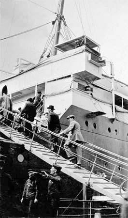 Passengers boarding the Titanic.