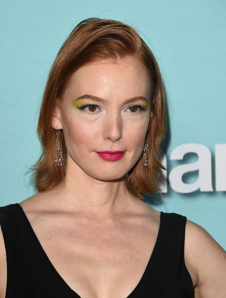 Could Alicia Witt's unusual eyeshadow application be a new trend? http://beautyeditor.ca/2015/01/07/alicia-witt-eyeshadow