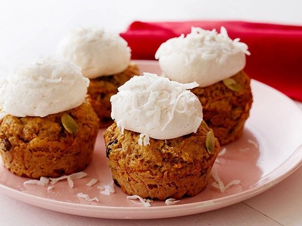 Low-Fat Carrot Cupcakes with Homemade Low-Fat Cream Cheese Frosting by ...