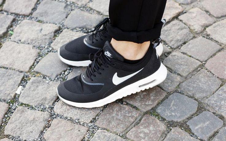 Nike Thea Black And White