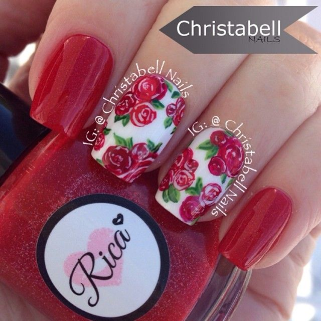 Uñas rojas con flores - Red Nails with Flowers