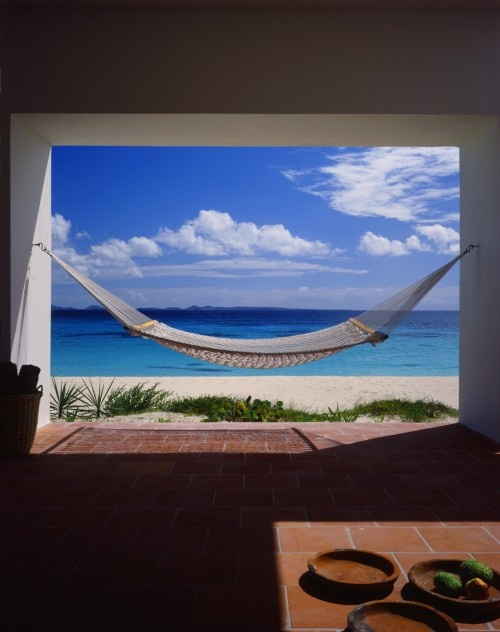 I could be sooo happy here.... All I need is to add the beach to my backyard...... time to get a backhoe!