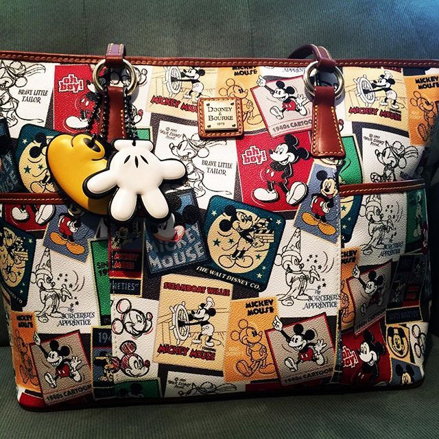 ❤️❤️❤️ #mickeymouse #Disneydooney #disneydooneyandbourke #bagsofadisneymom
