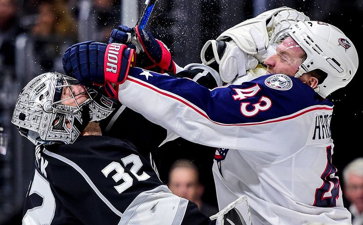 Jonathan Quick vs. Scott Hartnell : Fists are flying in these must-see NHL fight photos