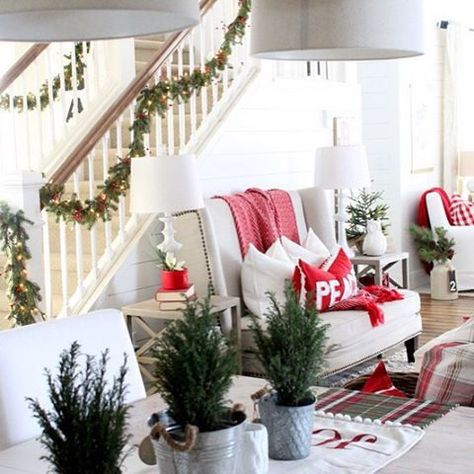 CHRISTMAS TIME–DINING ROOM | Proverbs 31 Girl