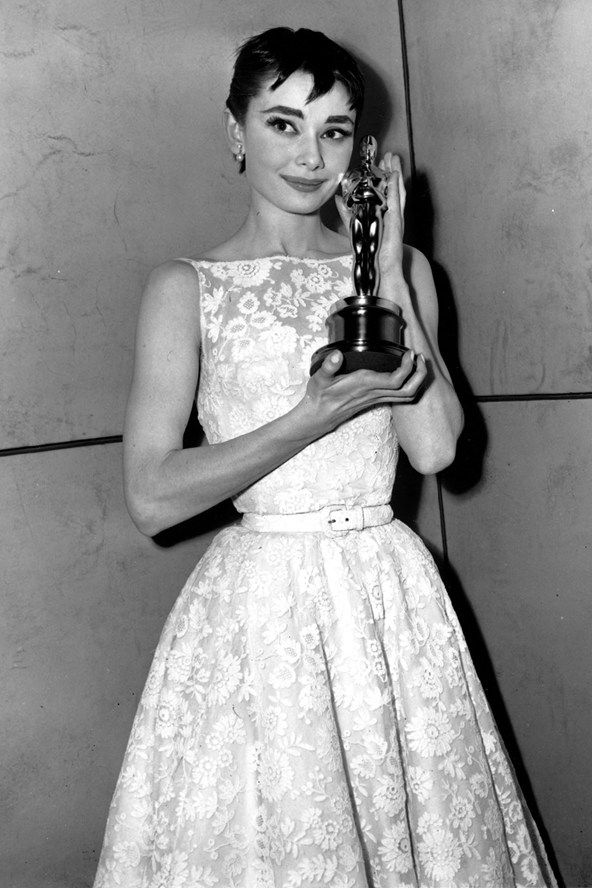 1954 год, Одри Хепберн. Платье: Hubert de Gyvenchy