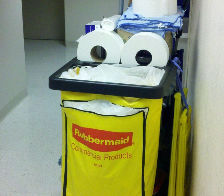 This cleaning cart offers us another fine example of artificial pareidolia.
