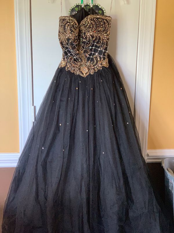 Black Gold Ball Gown Size 18 For Sale In Lake Park Nc Offerup Black And Gold Ball Gown Ball Gowns Size 18 Dress