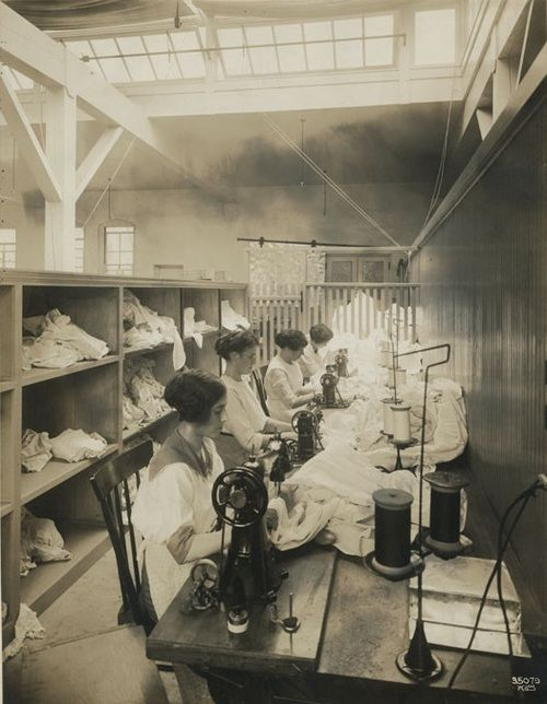Seattle sewing factory, 1917
