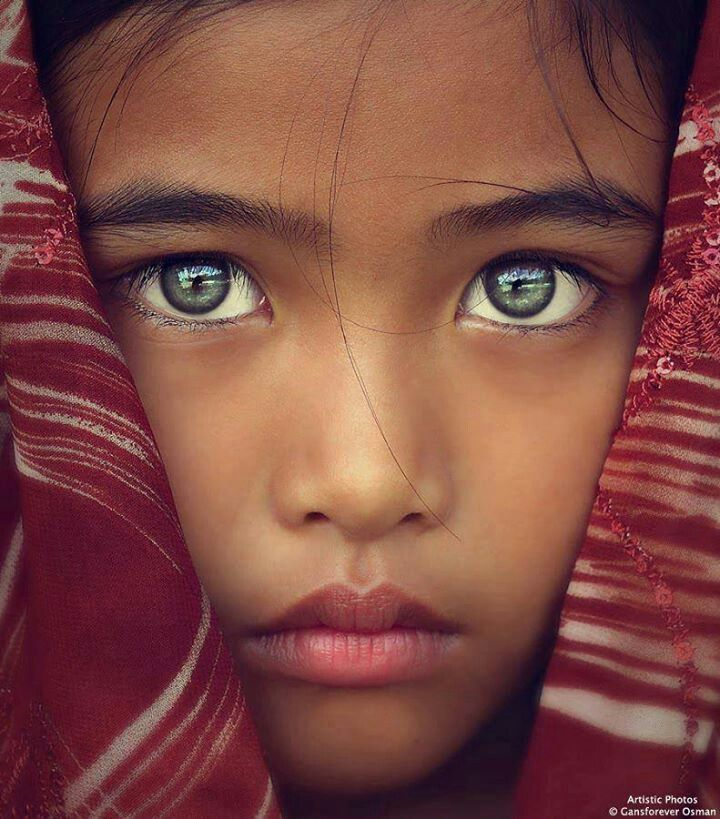 Beautiful green eyes.